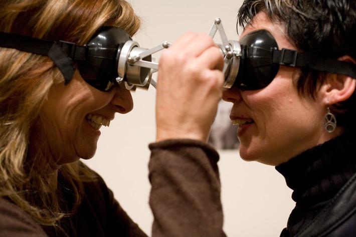 Lygia Clark's Diálogo: Oculos, Photo: Brita d'Agostino